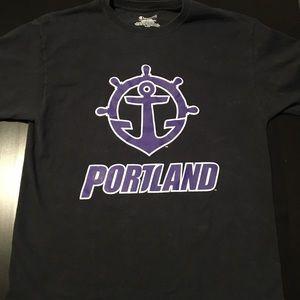 Portland Pilots t-shirt size L